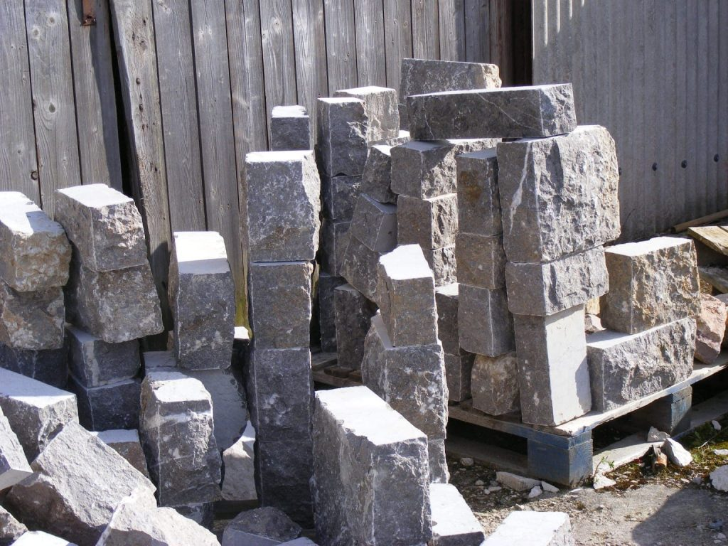 Sawn cut corner limestone for sale in cheshire and north wales